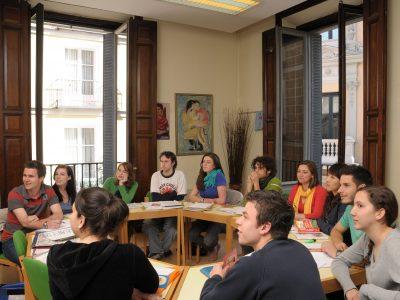 En TANDEM ofrecemos cursos preparatorios para jóvenes de los exámenes Cambridge