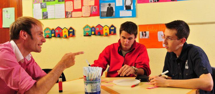 El coordinador pedagógico de los cursos de alemán para niños y jóvenes,, Lutz Wessels, en un momento de la clase, en una foto de archivo. TANDEM Madrid